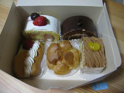 ケーキ各種、あなたはどれにしますか?.jpg