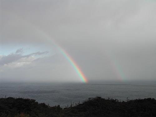 雨上がり海上に掛る虹の架け橋をよくみました。.jpg